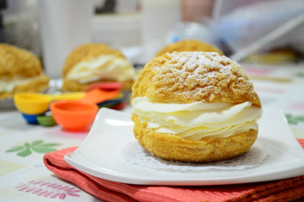Read more about the article 10 Tips To Making The Best Choux Pastry For Your Eclairs, Profiteroles And Cream Puffs
