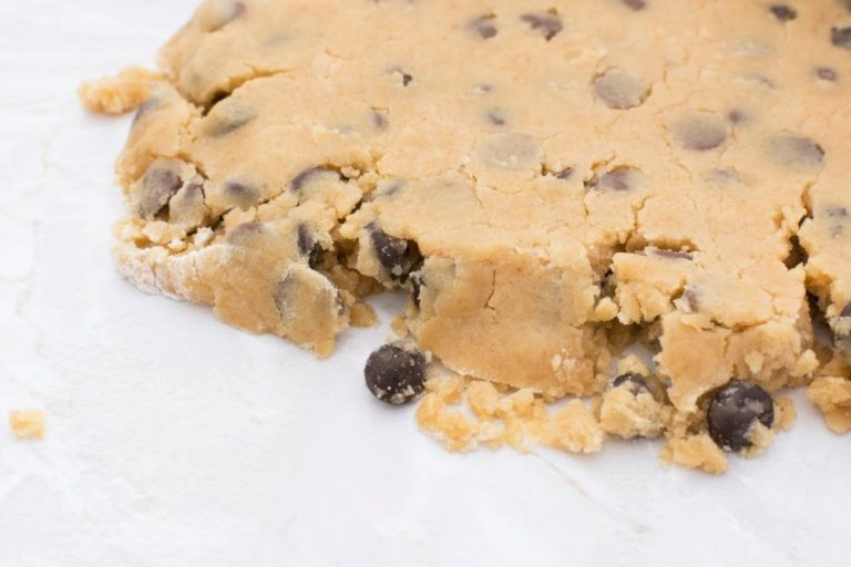 Read more about the article 5 Ways To Fix Dry And Crumbly Cookie Dough (Plus The Common Causes)